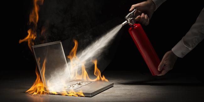 Vì sao bạn nên thường xuyên vệ sinh Laptop