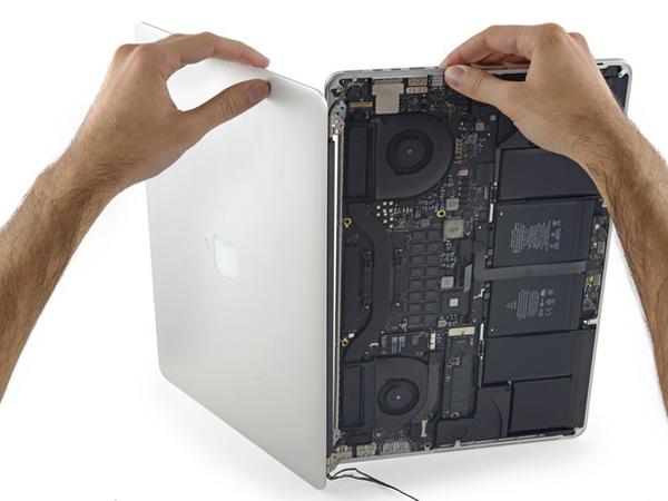 Hướng dẫn thay thế màn hình Macbook Pro