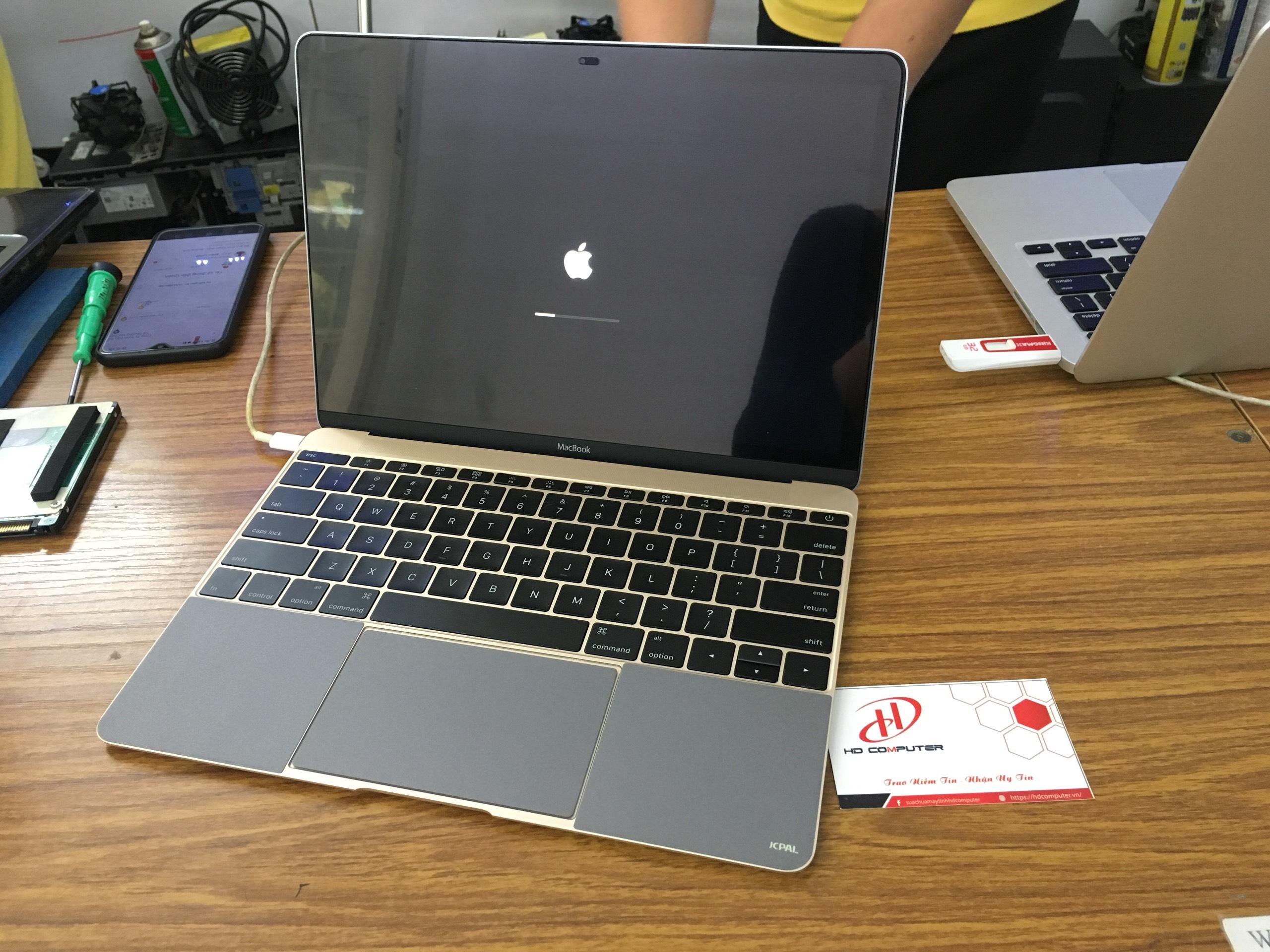Test macbook trước khi mua