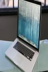 Làm gì khi Macbook không thể khởi động?